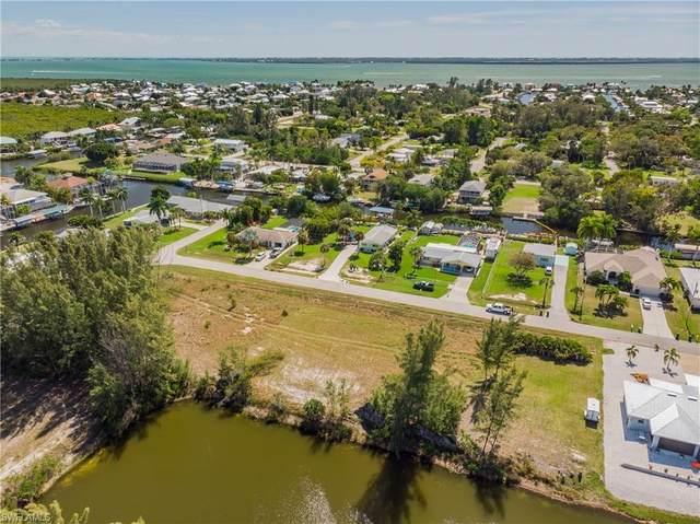 3242 7th Ave, ST. JAMES CITY, FL 33956 (MLS #220015511) :: Clausen Properties, Inc.