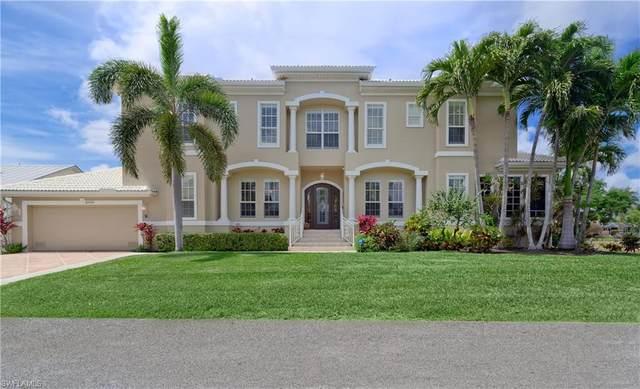 27100 Holly Ln, BONITA SPRINGS, FL 34135 (#220022875) :: The Dellatorè Real Estate Group