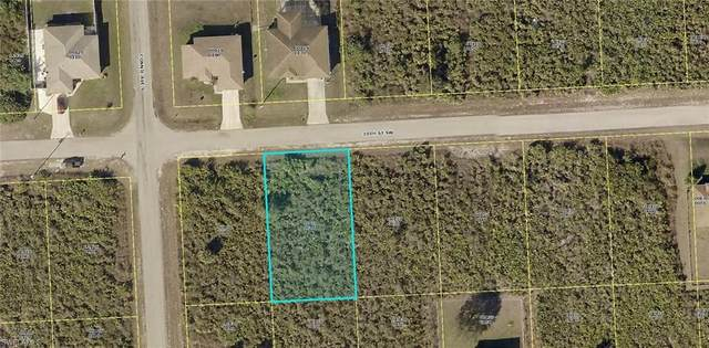 2515 30th St SW, LEHIGH ACRES, FL 33976 (MLS #220026515) :: RE/MAX Realty Group
