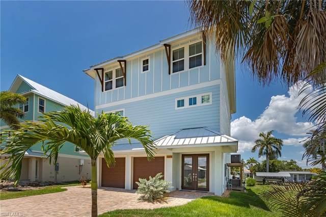 143 Driftwood Ln, FORT MYERS BEACH, FL 33931 (#220032001) :: Southwest Florida R.E. Group Inc
