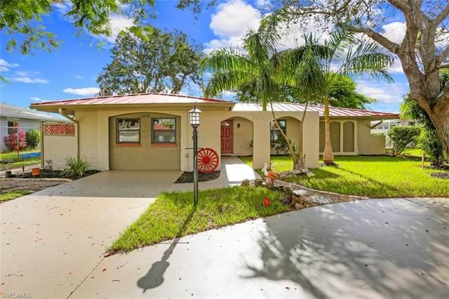 27515 Baretta Dr, BONITA SPRINGS, FL 34135 (#220053030) :: The Dellatorè Real Estate Group