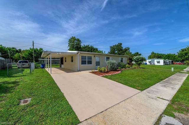 905 Coconut Dr, NORTH FORT MYERS, FL 33903 (#220053480) :: Southwest Florida R.E. Group Inc