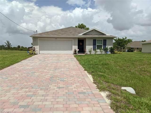 1635 NE 33rd St, CAPE CORAL, FL 33909 (#220056636) :: Jason Schiering, PA