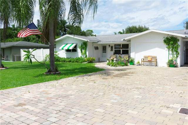 131 Charles St, FORT MYERS, FL 33905 (MLS #220056663) :: Tom Sells More SWFL | MVP Realty