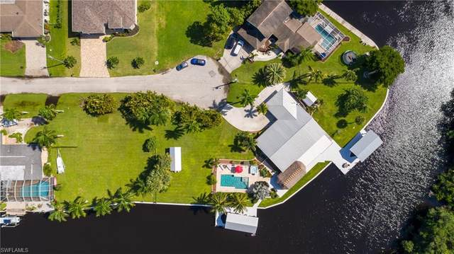 431 Seaworthy Rd, NORTH FORT MYERS, FL 33903 (#220060783) :: The Dellatorè Real Estate Group