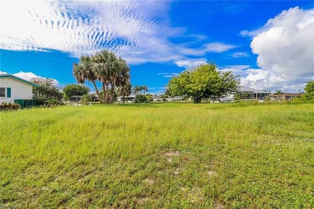 21357 Edgewater Dr, PORT CHARLOTTE, FL 33952 (#220061187) :: Southwest Florida R.E. Group Inc