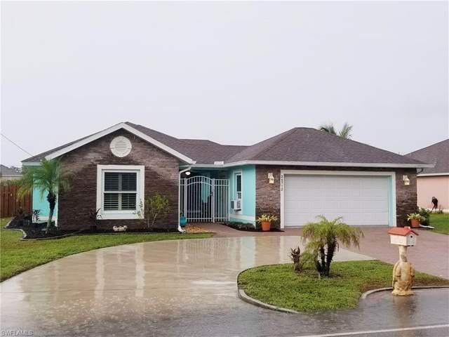 26712 Morton Ave, BONITA SPRINGS, FL 34135 (#220066910) :: The Dellatorè Real Estate Group
