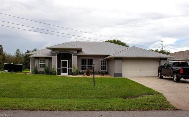 18101 Wells Rd, NORTH FORT MYERS, FL 33917 (#220067395) :: The Dellatorè Real Estate Group