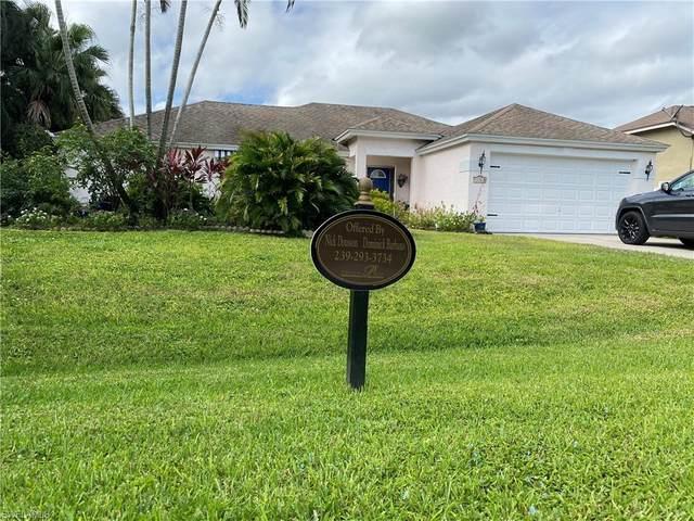 26588 Robin Way, BONITA SPRINGS, FL 34135 (MLS #220075685) :: The Naples Beach And Homes Team/MVP Realty