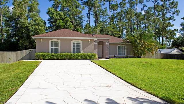 2525 Brantley Blvd S, NAPLES, FL 34117 (MLS #220079109) :: #1 Real Estate Services