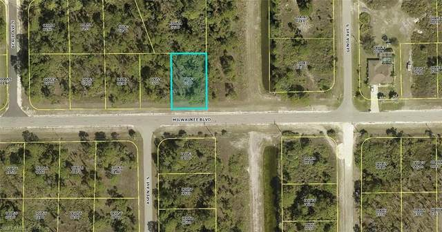 1055 Milwaukee Blvd, LEHIGH ACRES, FL 33974 (MLS #221003976) :: Premier Home Experts