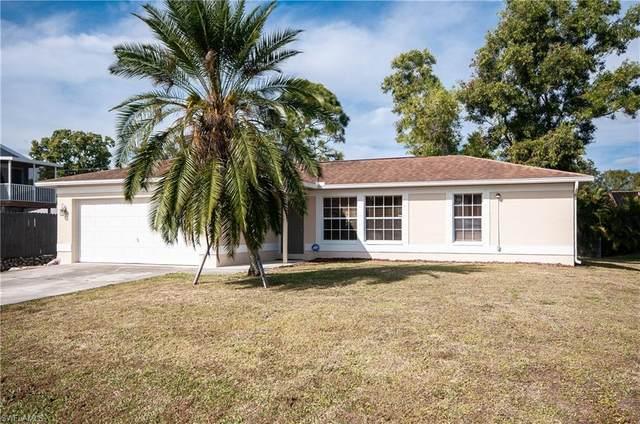 8457 Robin Rd, FORT MYERS, FL 33967 (MLS #221004811) :: Premier Home Experts