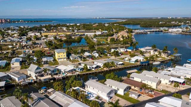 856 Oak St, FORT MYERS BEACH, FL 33931 (MLS #221004863) :: #1 Real Estate Services