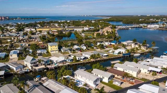 856 Oak St, FORT MYERS BEACH, FL 33931 (MLS #221004863) :: Premier Home Experts