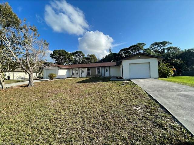 936 Valley Dr, BONITA SPRINGS, FL 34134 (MLS #221012837) :: #1 Real Estate Services