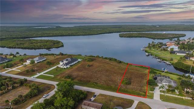 5043 Collingswood Blvd, PORT CHARLOTTE, FL 33948 (MLS #221027812) :: NextHome Advisors