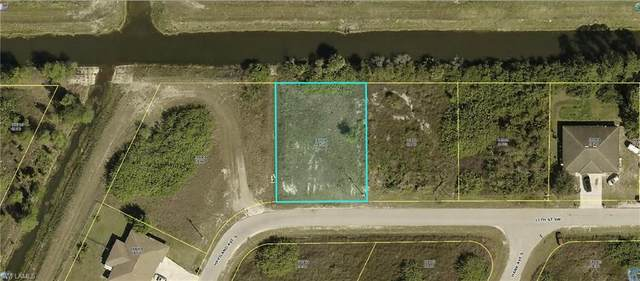 4524 15th St SW, LEHIGH ACRES, FL 33973 (MLS #221033348) :: BonitaFLProperties