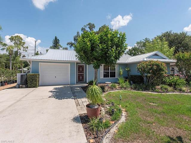 9049 Shaddock Rd W, FORT MYERS, FL 33967 (MLS #221035220) :: Tom Sells More SWFL | MVP Realty