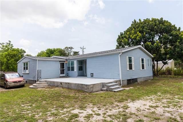 8116 Everhart Dr, NORTH FORT MYERS, FL 33917 (MLS #221035863) :: Eric Grainger | Jason Mitchell Real Estate
