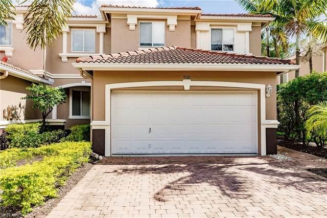 9581 Roundstone Cir, FORT MYERS, FL 33967 (MLS #221036392) :: Eric Grainger | Jason Mitchell Real Estate