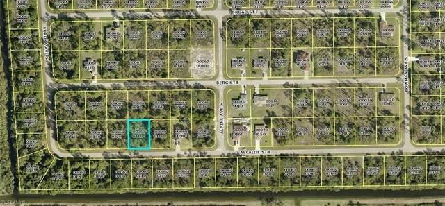 923 Alcalde St E, LEHIGH ACRES, FL 33974 (MLS #221043954) :: Bowers Group | Compass