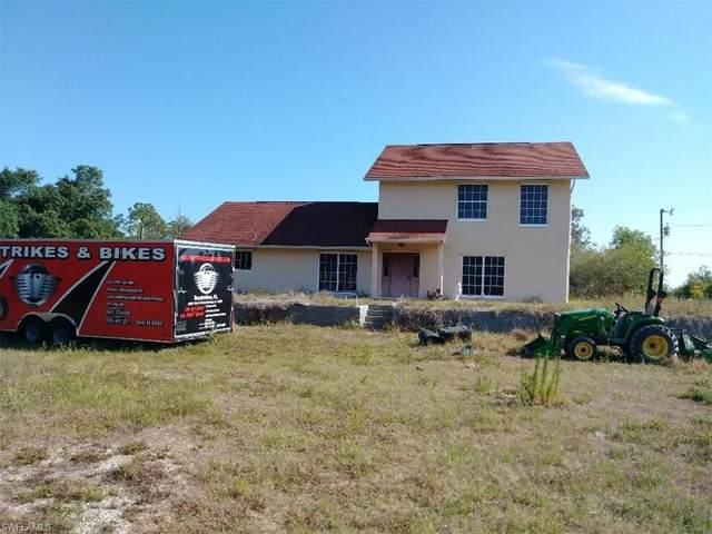 22735 Tinas Ln, FORT MYERS, FL 33913 (#221053090) :: Southwest Florida R.E. Group Inc