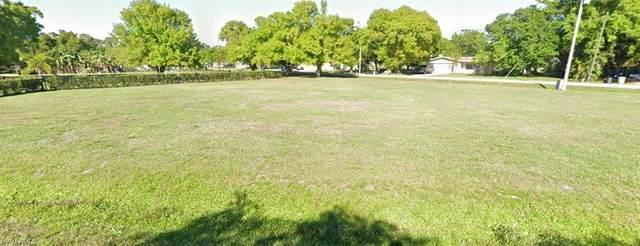 1250 Driftwood Dr, NORTH FORT MYERS, FL 33903 (MLS #221053388) :: Team Swanbeck