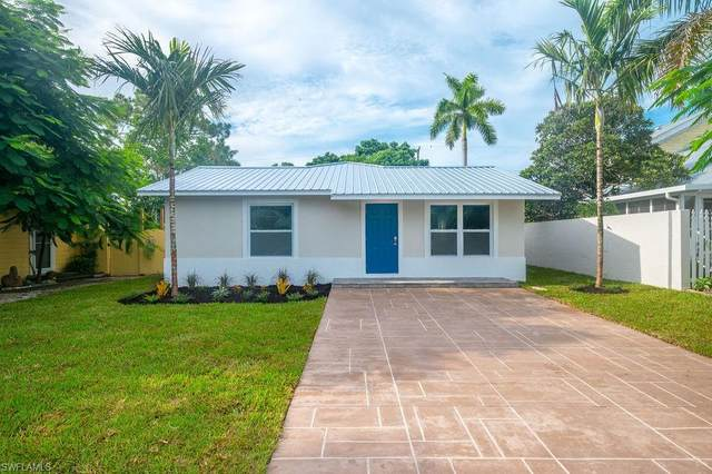 712 110th Ave N, NAPLES, FL 34108 (MLS #221060460) :: Realty World J. Pavich Real Estate