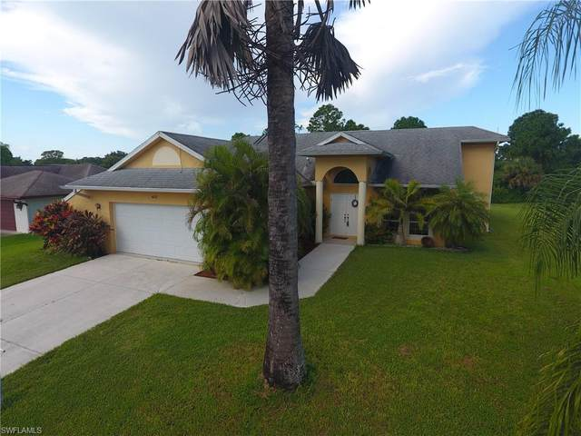 403 Poinsettia Ave, LEHIGH ACRES, FL 33972 (MLS #221065889) :: Realty One Group Connections