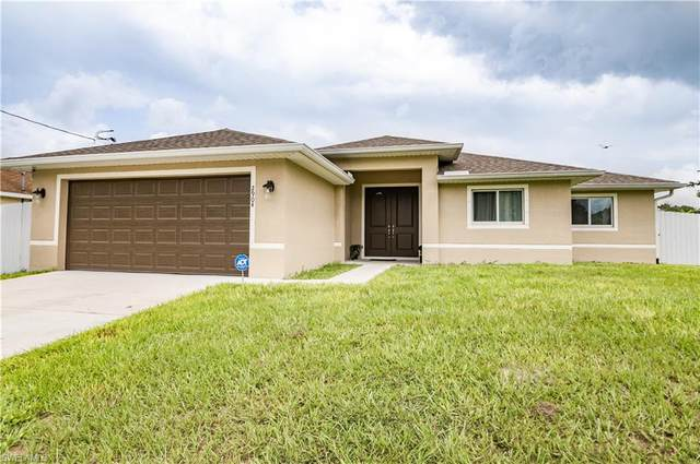 2904 4th St SW, LEHIGH ACRES, FL 33976 (MLS #221067820) :: Realty World J. Pavich Real Estate