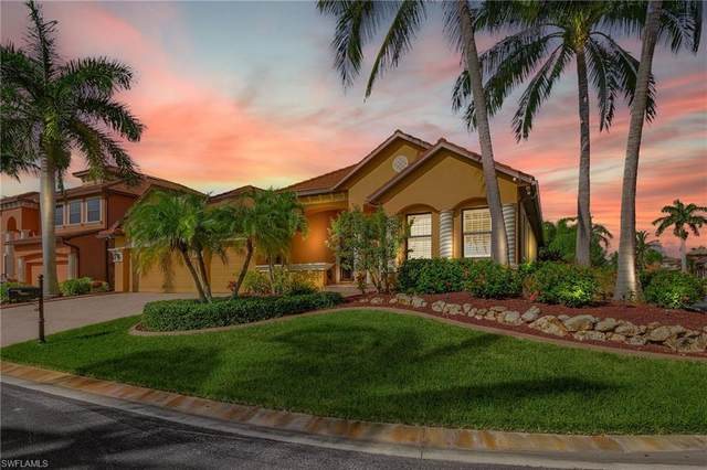 8951 Tropical Ct, FORT MYERS, FL 33908 (#221067999) :: MVP Realty