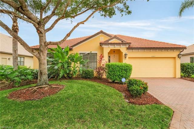 12477 Country Day Cir, FORT MYERS, FL 33913 (#221068011) :: Jason Schiering, PA