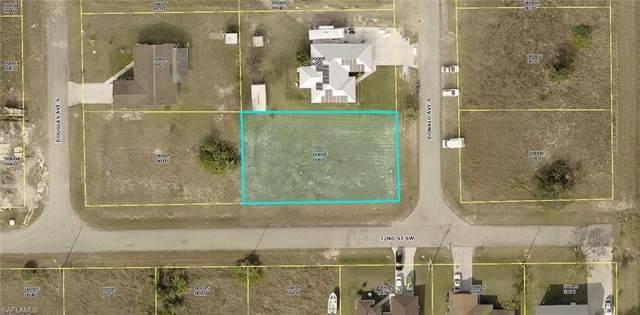 3104 Donald Ave S, LEHIGH ACRES, FL 33976 (MLS #221068637) :: Team Swanbeck