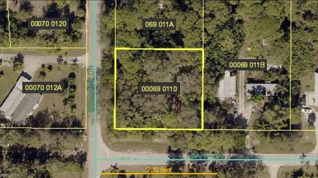2170 Bahia Ln, NORTH FORT MYERS, FL 33917 (MLS #220010213) :: Clausen Properties, Inc.