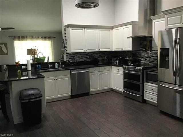 3586 Kent Dr, NAPLES, FL 34112 (MLS #220029716) :: #1 Real Estate Services