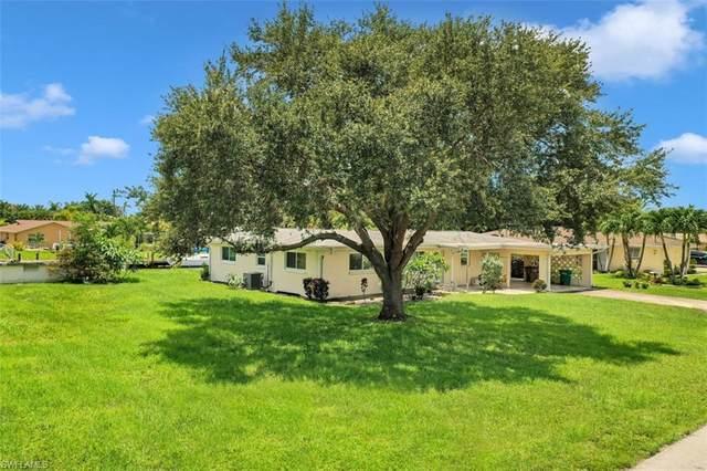 808 Miramar Ct, CAPE CORAL, FL 33904 (#220037000) :: Caine Premier Properties
