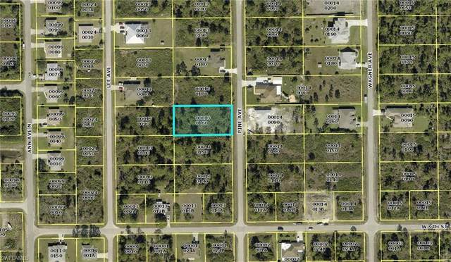 907 Pine Ave, LEHIGH ACRES, FL 33972 (MLS #220047892) :: RE/MAX Realty Group