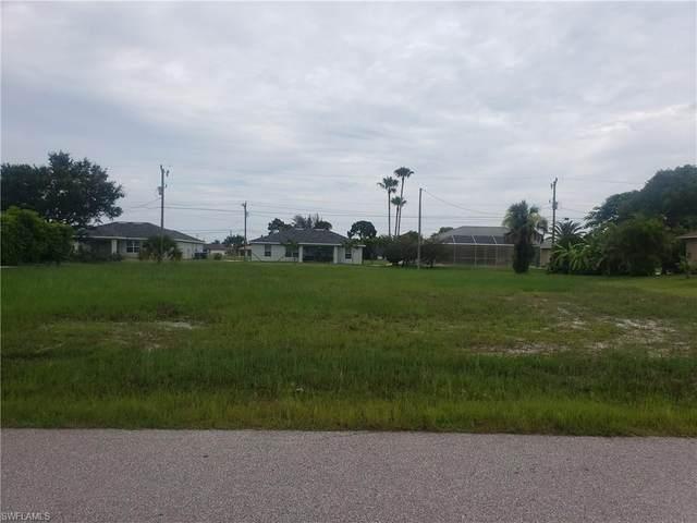 909 SW 16th Ter, CAPE CORAL, FL 33991 (MLS #221053743) :: Clausen Properties, Inc.