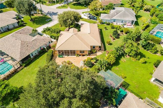 3262 Citron Dr, NAPLES, FL 34120 (MLS #221068216) :: The Naples Beach And Homes Team/MVP Realty
