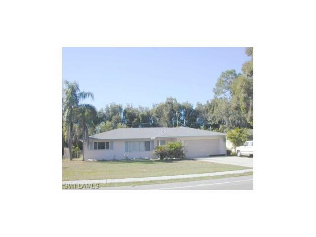 17188 Lee Rd, FORT MYERS, FL 33967 (#216050471) :: Homes and Land Brokers, Inc