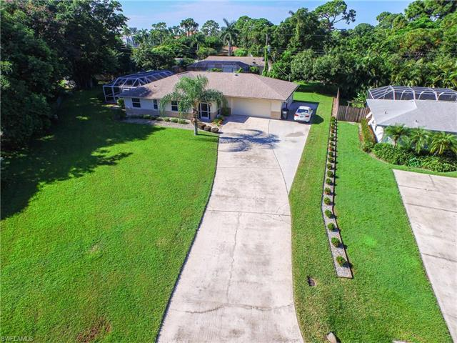 574 Sanford Dr, FORT MYERS, FL 33919 (MLS #216051322) :: The New Home Spot, Inc.
