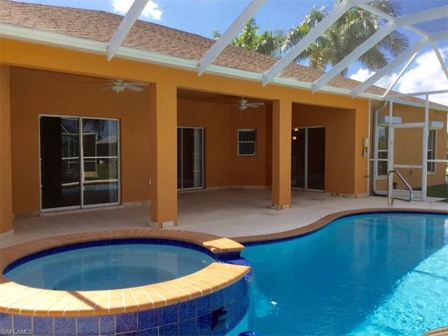 310 SW 25th Pl, CAPE CORAL, FL 33991 (MLS #216052310) :: The New Home Spot, Inc.