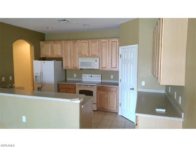 14727 Calusa Palms Dr #103, FORT MYERS, FL 33919 (MLS #216052638) :: The New Home Spot, Inc.