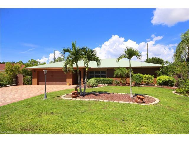 11771 Amanda Ln, BONITA SPRINGS, FL 34135 (#216059025) :: Homes and Land Brokers, Inc