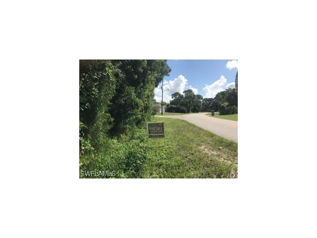 8305 Bamboo Rd, FORT MYERS, FL 33967 (#216064786) :: Homes and Land Brokers, Inc