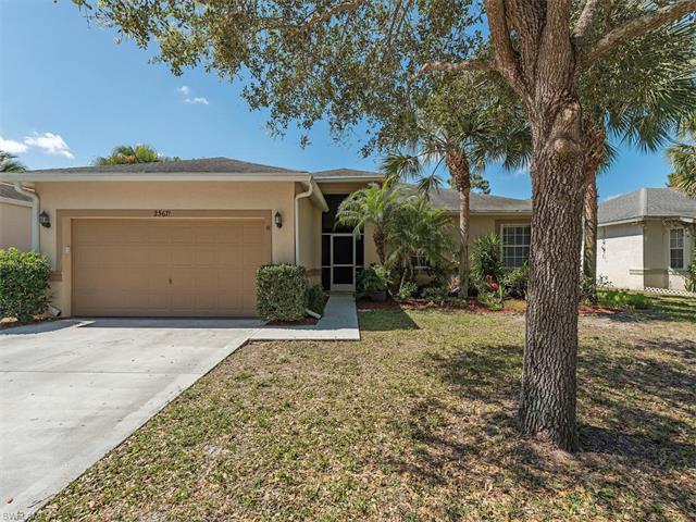 25671 Old Gaslight Dr, BONITA SPRINGS, FL 34135 (MLS #217019777) :: The New Home Spot, Inc.