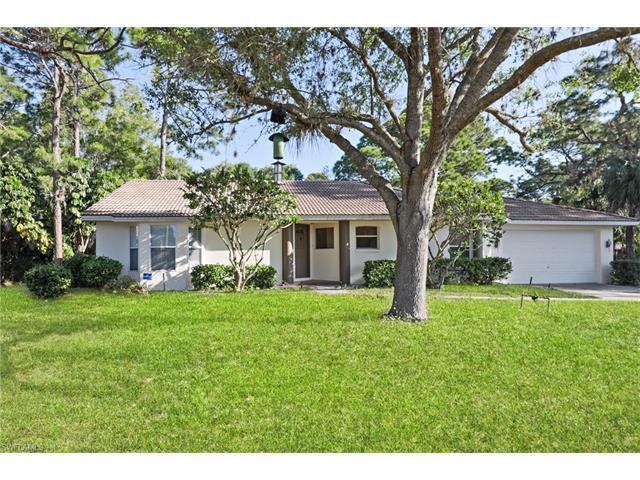 11146 Coimbra Ln, BONITA SPRINGS, FL 34135 (#217021370) :: Homes and Land Brokers, Inc