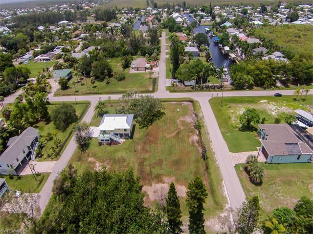 2471 Baybreeze St, ST. JAMES CITY, FL 33956 (MLS #217039604) :: The New Home Spot, Inc.