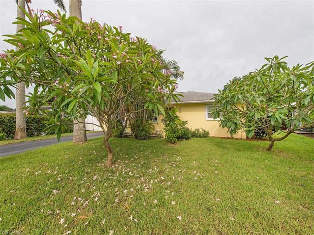 5131 Cortina Ct, NAPLES, FL 34103 (MLS #217040081) :: The New Home Spot, Inc.