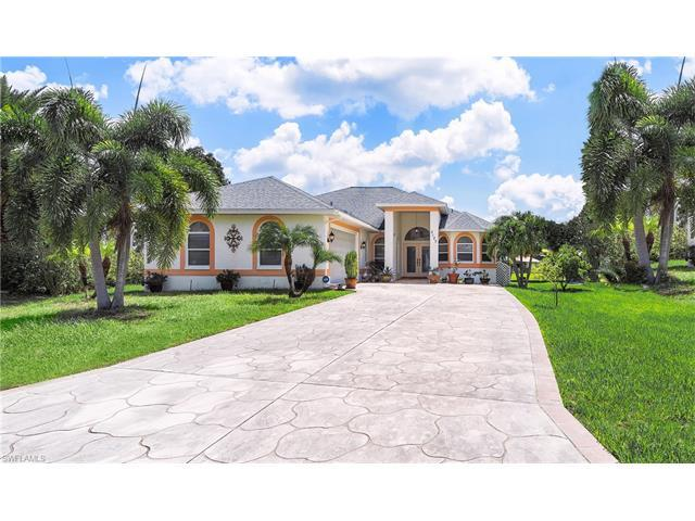 2120 Saint Croix Ave, FORT MYERS, FL 33905 (MLS #217041001) :: The New Home Spot, Inc.